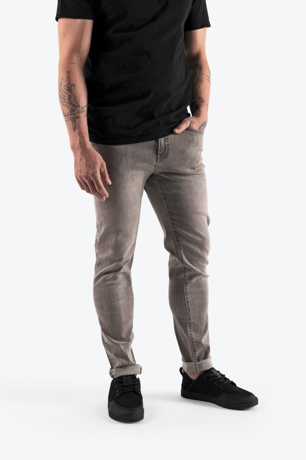 So iLL mens climbable grey denim with black shoes