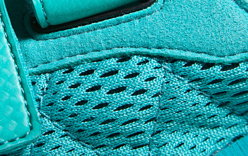 So iLL Climbing Shoe The Runner close up of upper materials