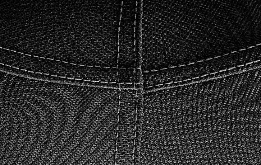 macro shot of Active Jeans Black So iLL