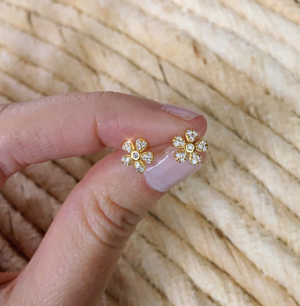 FLOWER STUDS GOLD - eff.Y.bee