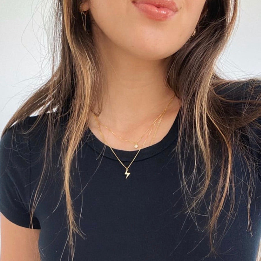 LILY LAYER NECKLACE POWERFUL GOLD - eff.Y.bee