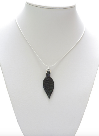 Glass Leaf Pendant Small Black