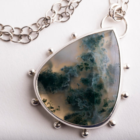 Hailey Moss Agate Necklace w/ Silver Granule Halo