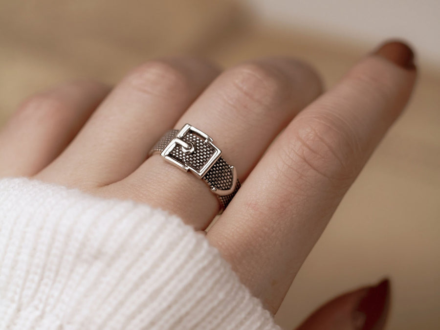 aesthetic vintage belt ring silver