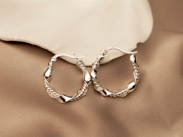 stoneless double twisted hoops