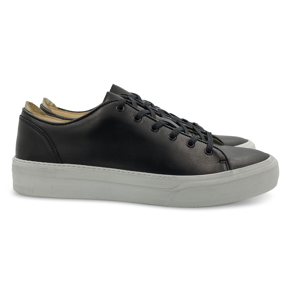 Conscious Sneaker in Black