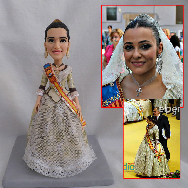 Lady in marriage bobble head figurine