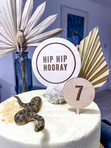 Round 'Hip hip Hooray' Cake topper