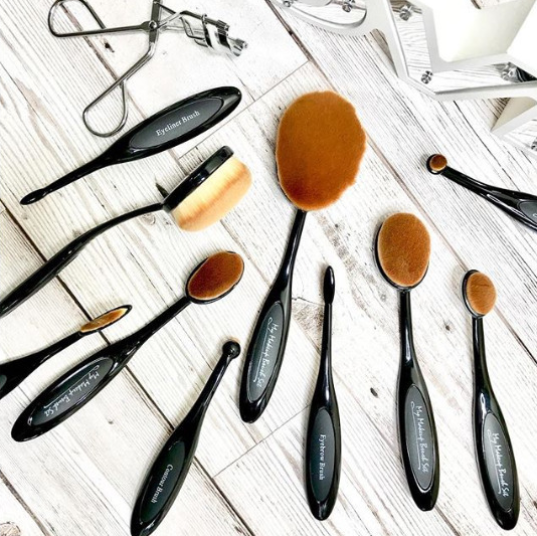 10 PIECE Black Oval Brush Set