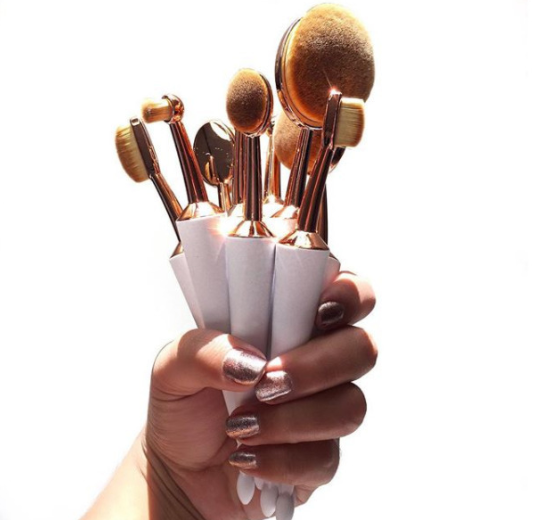Umbrella Cut Oval Brush Set