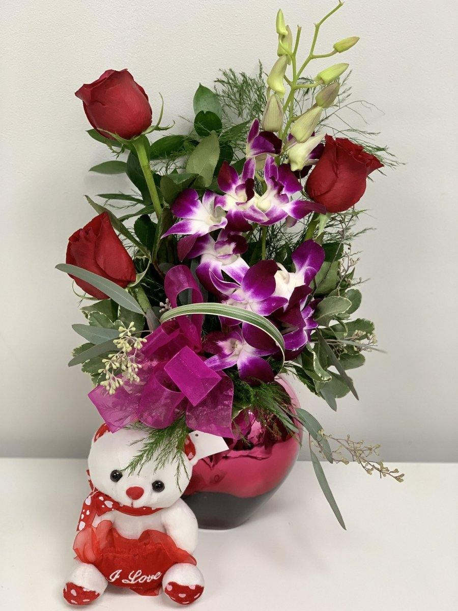 'I'm in Love' Valentine's Special Arrangement - Shalimar Flower Shop