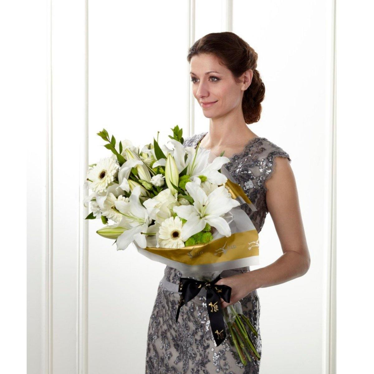 The FTD® Standing Ovation Presentation Bouquet