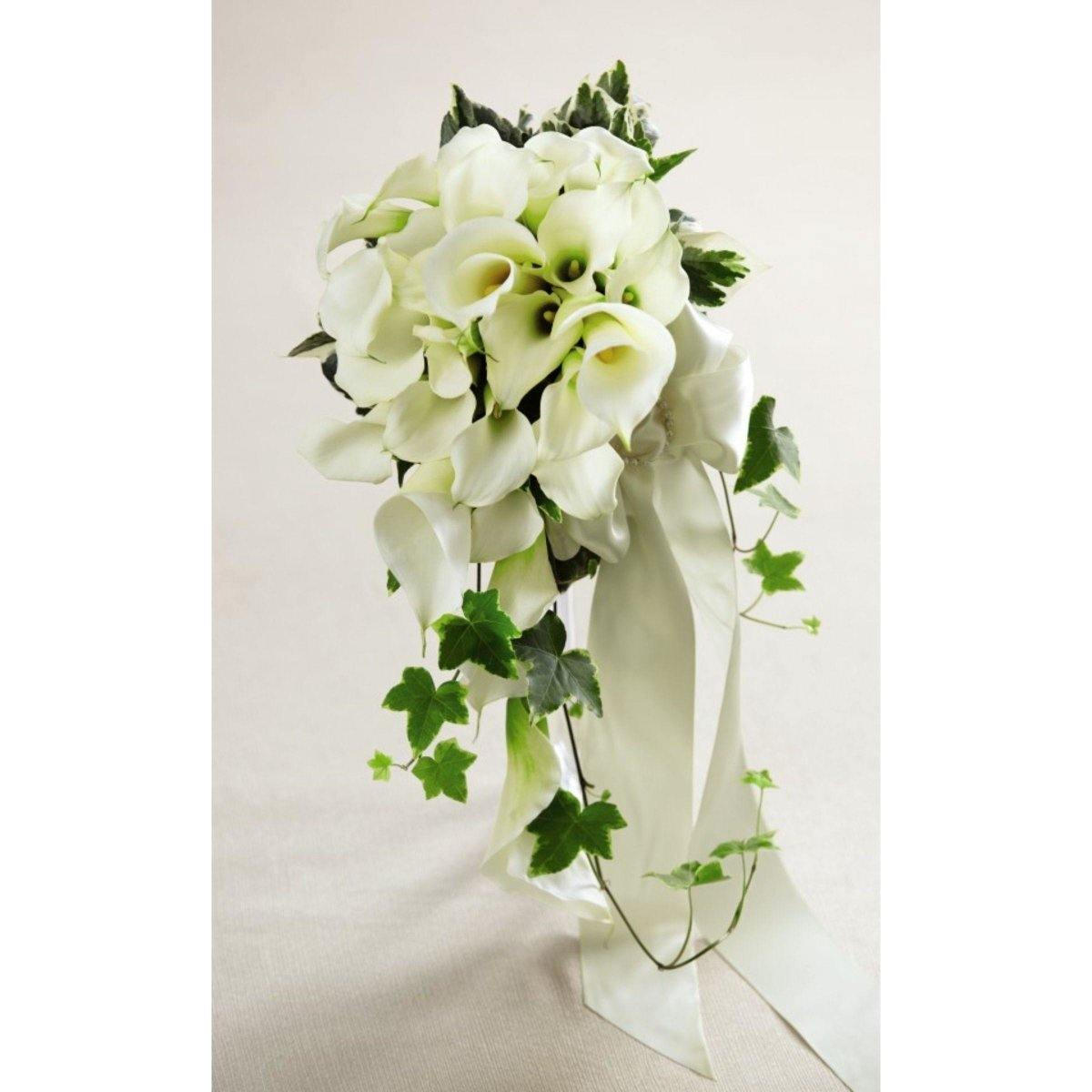 The FTD White Chapel Bouquet - Shalimar Flower Shop