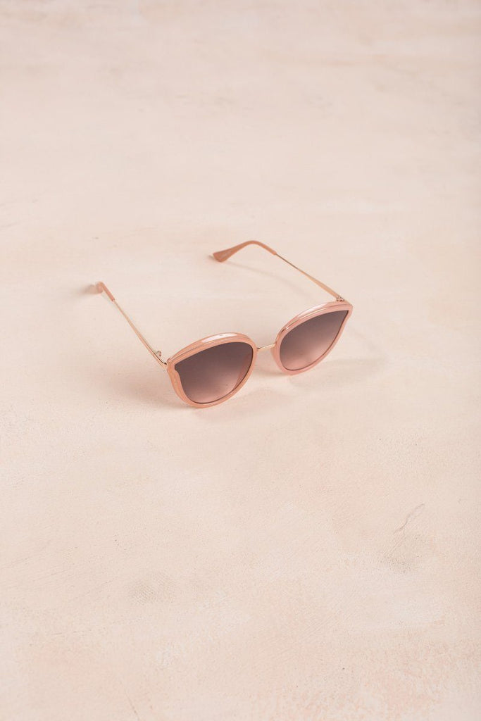 Lori Cat Eye Sunglasses Sunglasses JOIA Peach-Pink