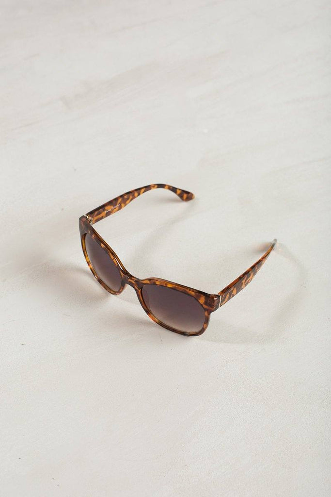 Faye Oversized Sunglasses