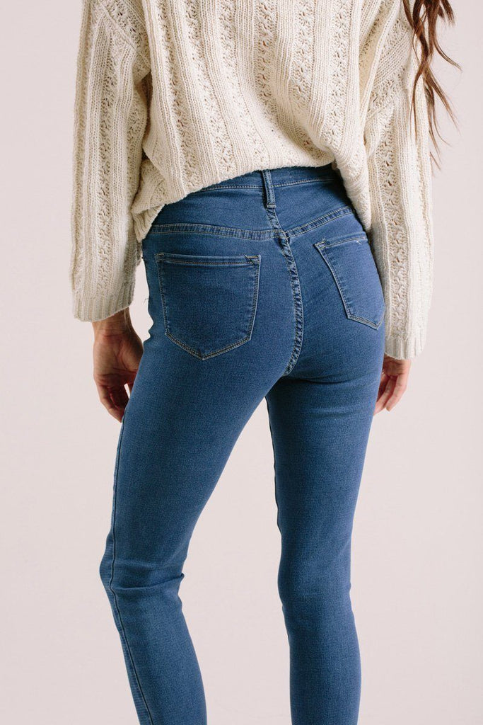 Lisa High Rise Jeans Jeans Kan Can