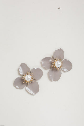 Eileen Oversized Lavender Flower Earrings