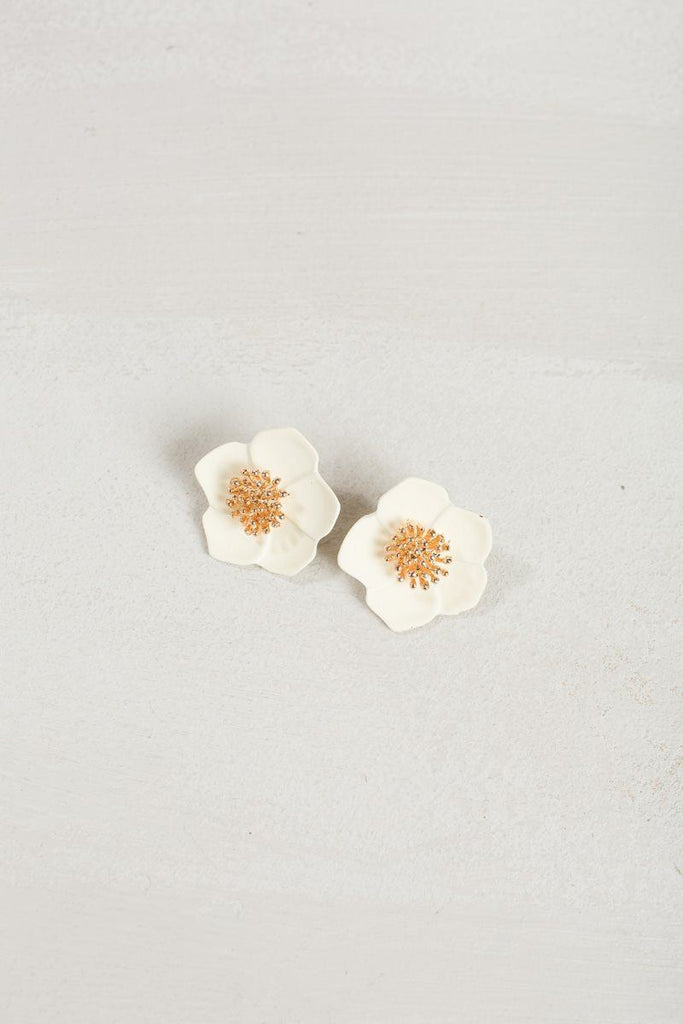Brynn Cream Flower Earrings Earrings Joia Cream