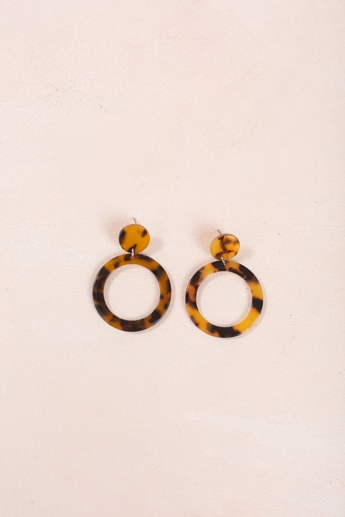 Annalise Round Tortoise Hang Earrings Earrings ANA