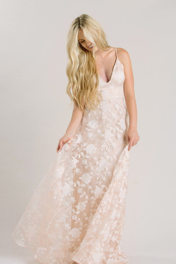 Cute Wedding Dresses and Outfits – Morning Lavender
