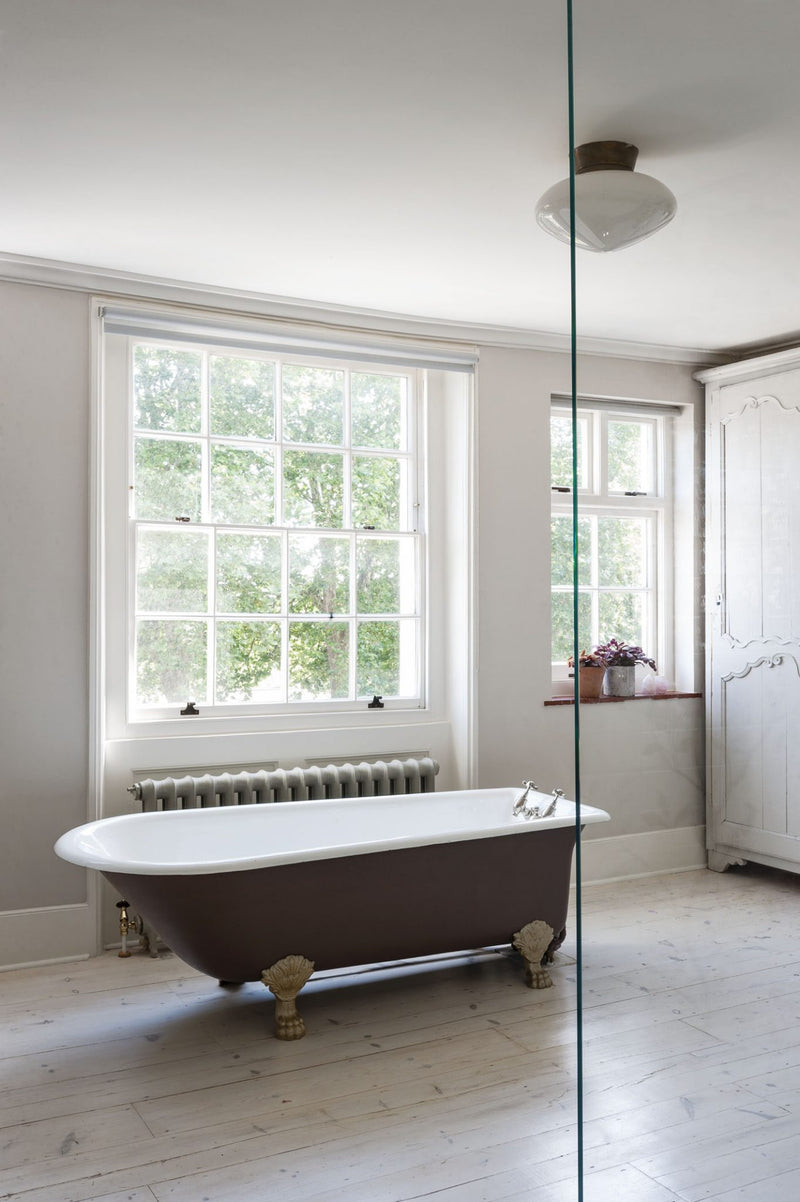 Freestanding bath Vs. Built-in Bath – Which is the right one for your bathroom remodeling?