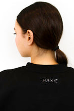 Load image into Gallery viewer, Bisous de Mamie-Cropped Black Sweatshirt