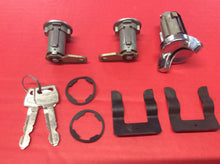 Load image into Gallery viewer, 1970-1973 Mustang Door & Ignition Lock Set