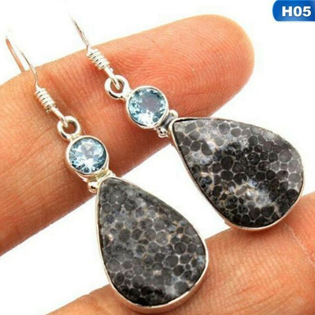 Retro Leaf Drop Earrings