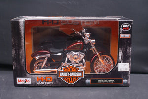 Open image in slideshow, Harley Davidson Models 1:12 Scale
