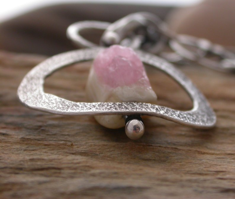 Planet Dot Jewelry Raw Pink Tourmaline Inside Textured Ring Necklace