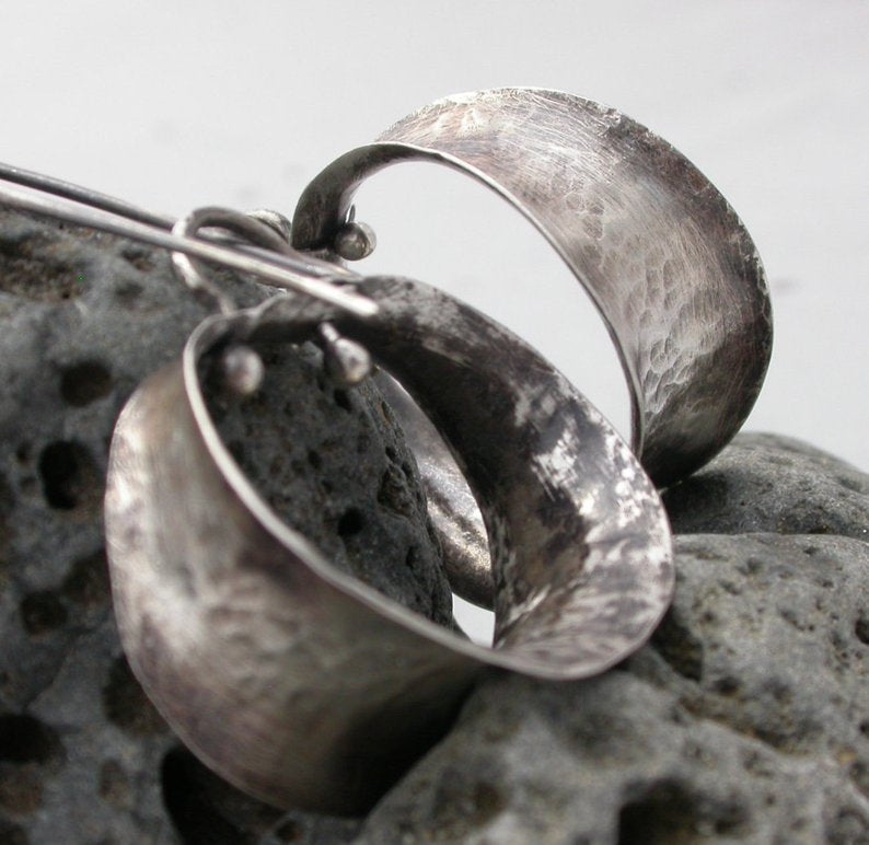 Planet Dot Jewelry Fine Silver Anti-Clastic Hoop Earrings