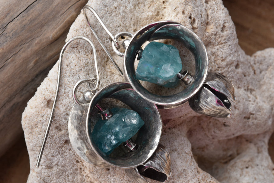 Planet Dot Jewelry Sterling Silver Anti-Clastic Apatite Filled Hoop Earrings