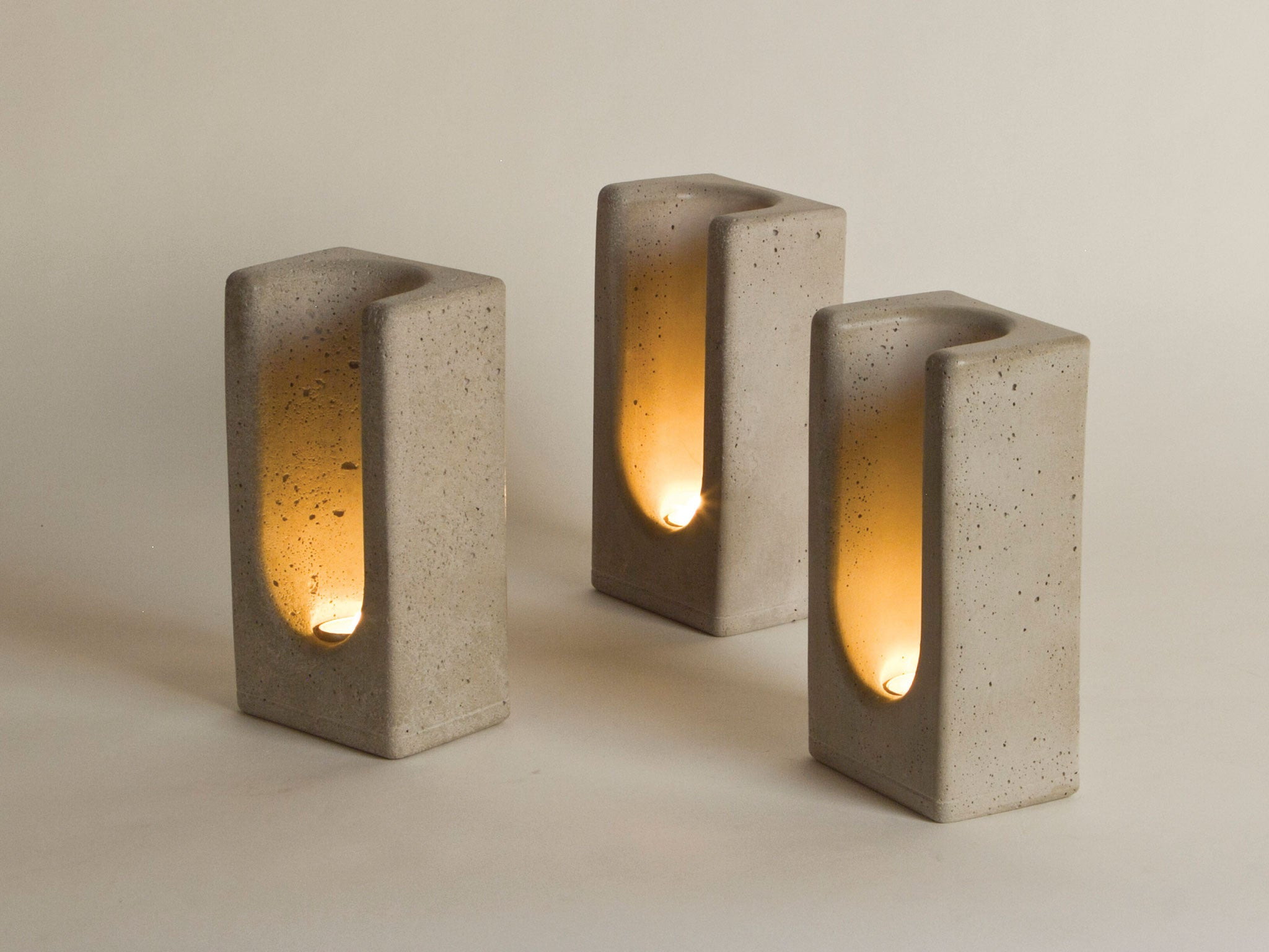 Tealight Totem in Concrete