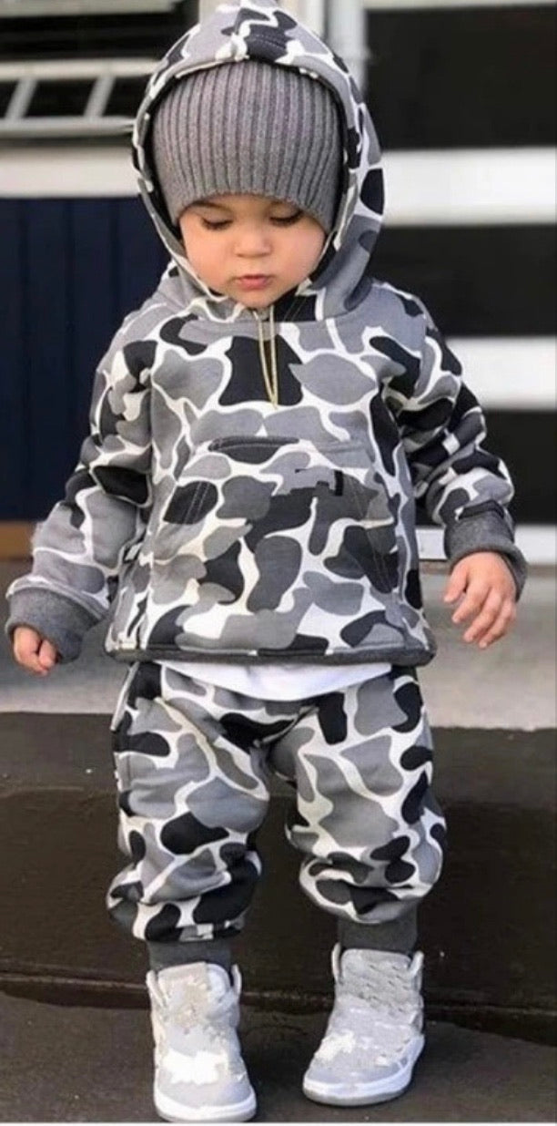Unisex Special edition , Kids 2 piece camouflage printed hoodie with pants
