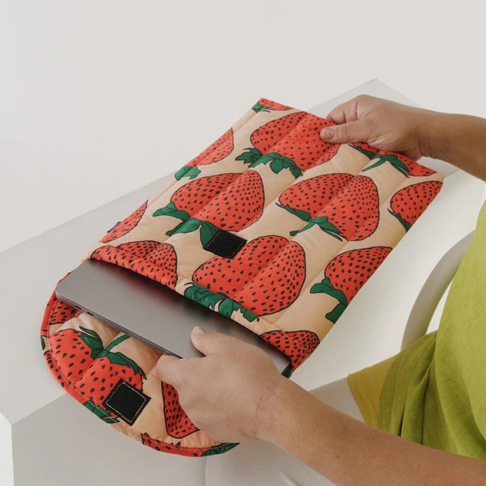 "Puffy Laptop Sleeve 16"" Strawberry"