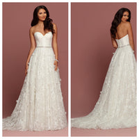 Gorgeous Ivory Lace Sweetheart Ballgown