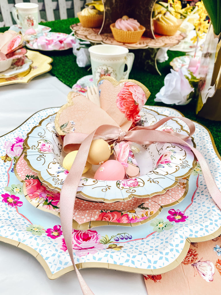 Vintage Easter themed table decorations for easter party set up