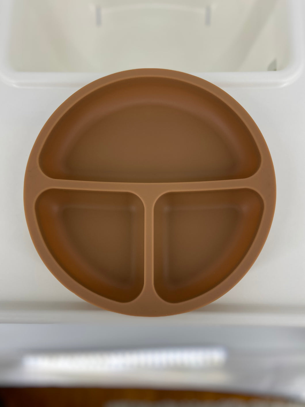 Distillery District Brown Silicone Suction Plate