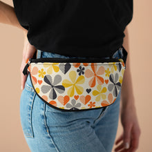 Load image into Gallery viewer, 70s Retro Crossbody Bag