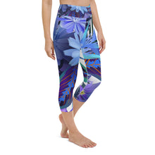 Load image into Gallery viewer, Floral Print Yoga Capri Leggings