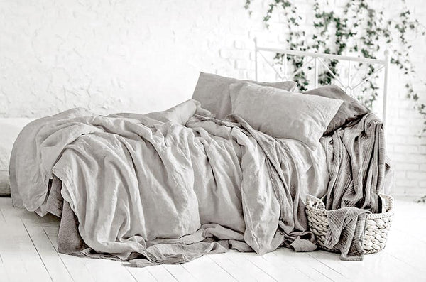 Moonquake Grey Linen Duvet Cover With Pillows.