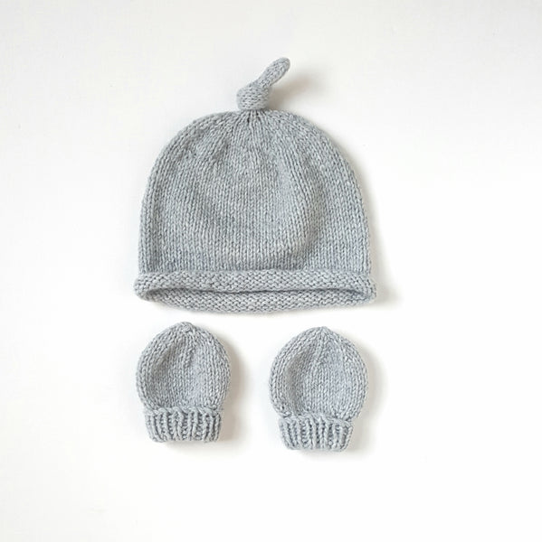Pure Cashmere hat and mittens/soft grey