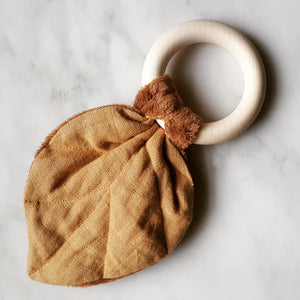Giant teether ring - caramel leaf