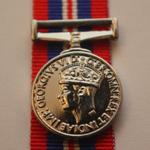 WW2 British/Canada/Commonwealth 39/45 War Medal, Miniature