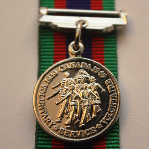 WW2 Canadian Volunteer Service Medal with Overseas Clasp, Miniature