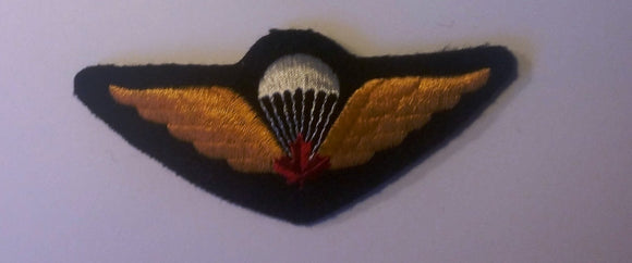 Canadian Airborne Jump Wings, Red Leaf, Cloth-Gold