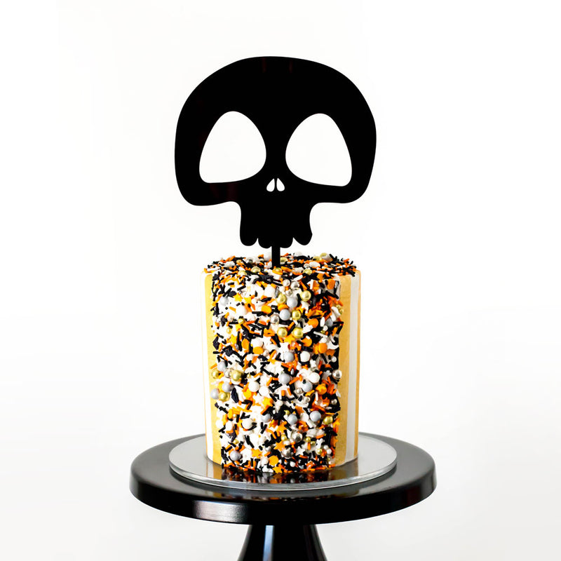 Black Skull - Cake Topper on Cake by Brittanie Reed - Zoiandco