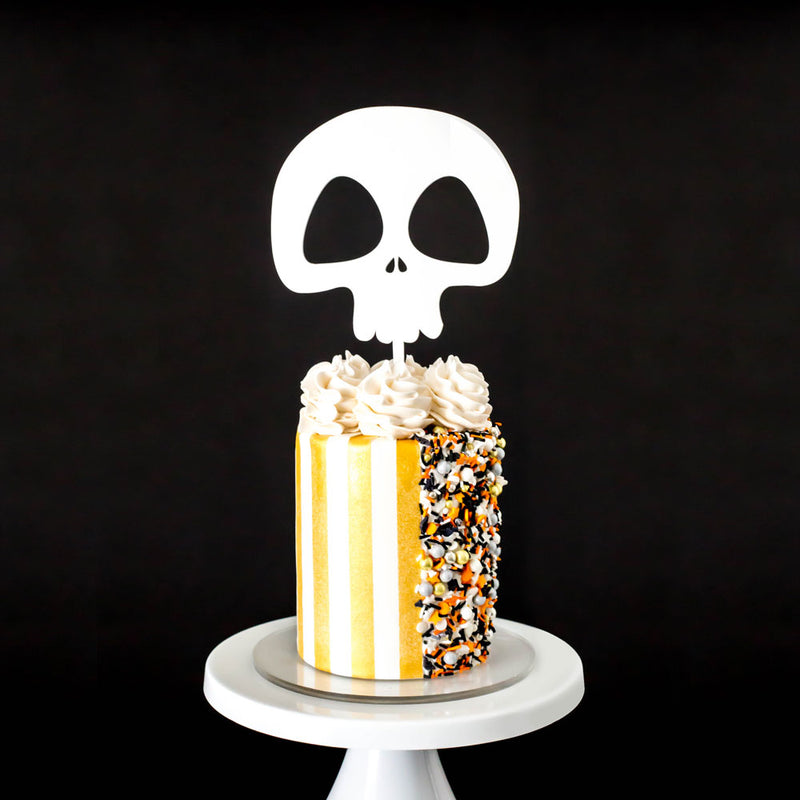 White Skull - Cake Topper on Cake by Brittanie Reed - Zoiandco