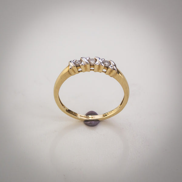 "9k Gold and Diamond Ring - Hugs and Kisses Trilogy Ring - XOXOXOX - Size ""L"""