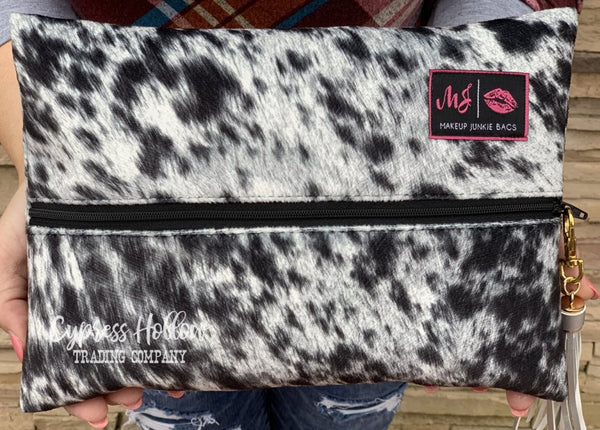 Lola - Onyx Makeup Junkie Bag - Cypress Hollow Trading Company
